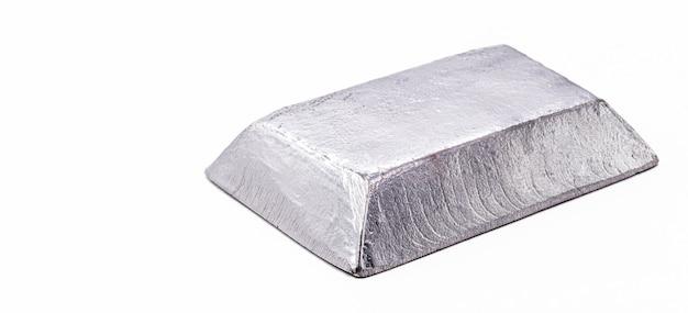 Barre de palladium, métal utilisé dans l'industrie électrique dans les systèmes électromécaniques et catalyseur pour les réactions d'hydrogénation et dans l'industrie pétrolière