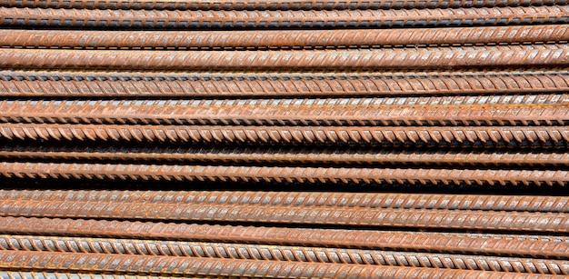 Barres d'acier rouillé