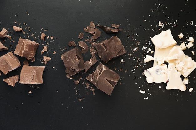Barres de chocolat cassées