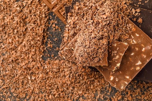 Barres de chocolat avec des miettes
