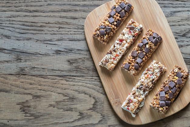 Barres granola aux fruits secs et chocolat