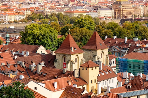 Basilique saint-georges au château de prague. prague, république tchèque.