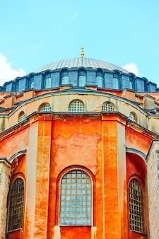 La basilique sainte-sophie à istanbul en gros plan, turquie