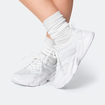 Baskets d'entraînement blanches shooting de mode sportswear unisexe