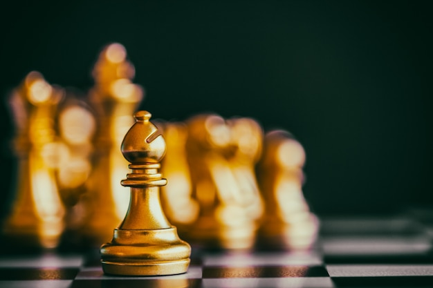 Bataille d'échecs de stratégie jeu de défi de renseignement sur l'échiquier.