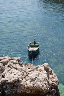 Bateau dans la mer