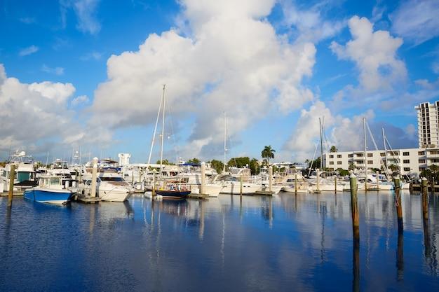 Bateaux de marina à fort lauderdale, floride, états-unis