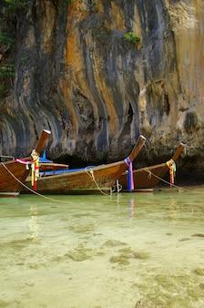 Bateaux en mer