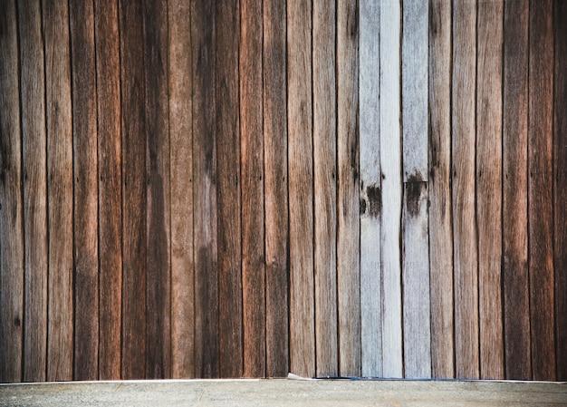 Bâtiment de construction de planches de bois