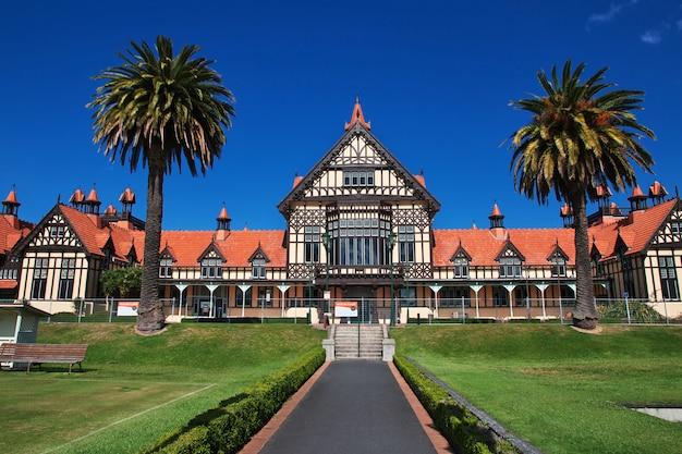 Le bâtiment dans les jardins de rotorua, nouvelle-zélande