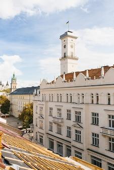Bâtiment de l'hôtel de ville de lviv en ukraine