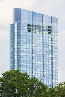 Bâtiment moderne en verre de la tour millennium à boston