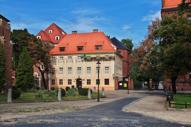 Le bâtiment vintage dans la ville de wroclaw en pologne