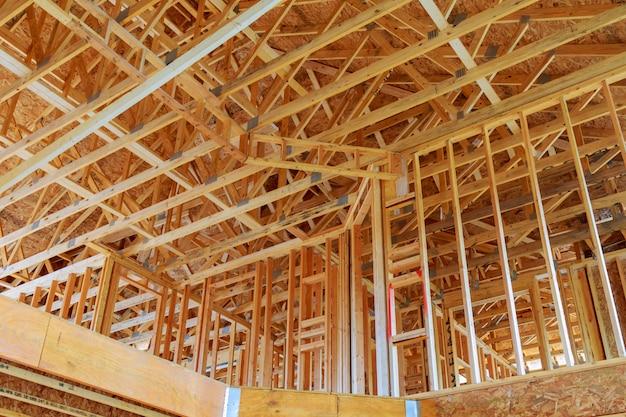Un bâton construit maison en construction
