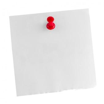 Bâton de note en papier blanc avec une punaise rouge isolée on white