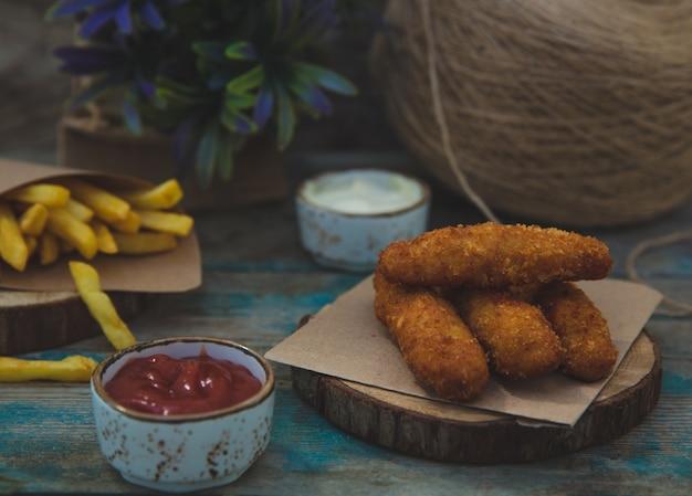 Bâtonnets de poulet croustillants à la sauce barbecue