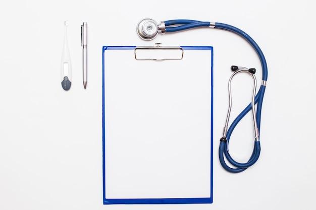 Battement de coeur instrument examen de fond urgence de santé