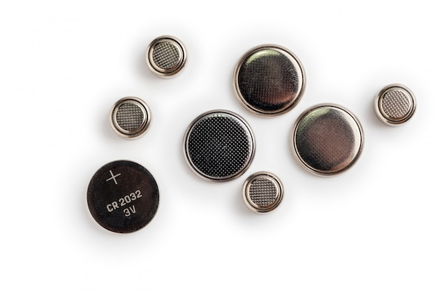 Batteries isolées sur un espace blanc