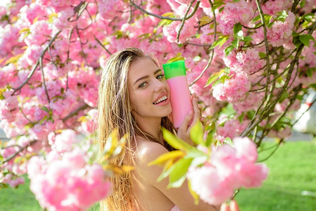 Baume pour les cheveux shampooing spa à base de plantes cosmétique pour cheveux femme avec cosmétique pour cheveux belle femme avec