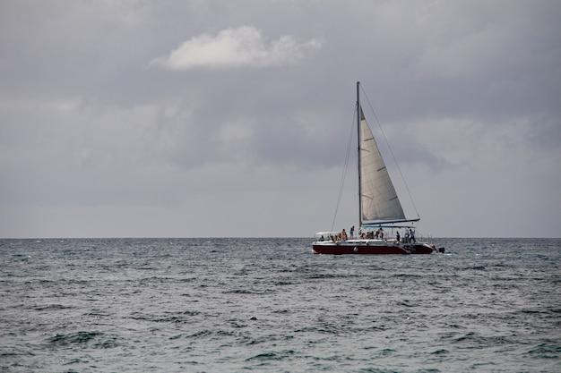 Bayahibe, république dominicaine 4 janvier 2020 : bateaux dominicains en mer