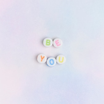 Be you perles typographie de message