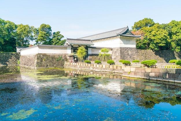 Beau bâtiment du palais impérial à tokyo
