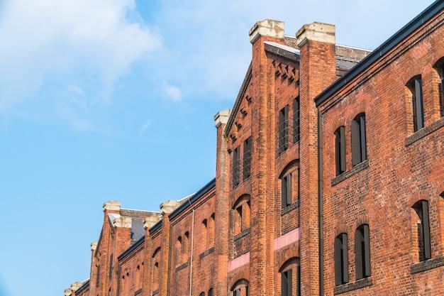 Beau bâtiment extérieur et architecture de l'entrepôt en briques