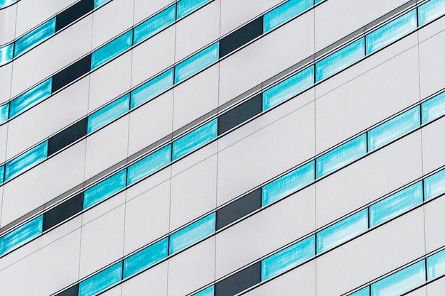 Beau bâtiment extérieur avec des textures de modèle de fenêtre en verre
