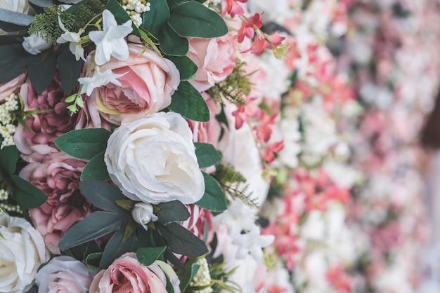 Beau bouquet de fleurs avec copie espace pour le fond