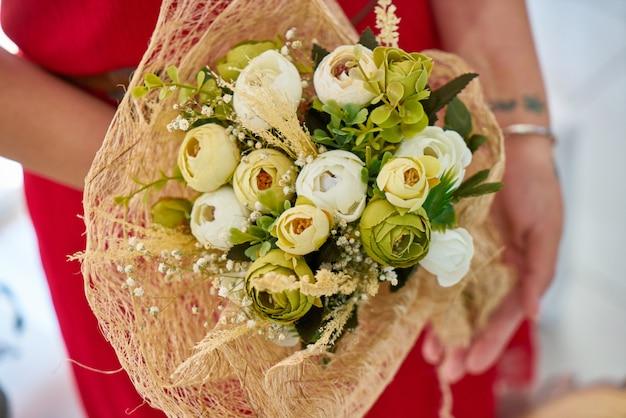 Beau bouquet floral de mariée