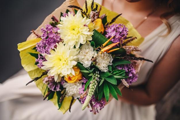 Beau bouquet de mariage. mariée bouquet de mariage élégant.