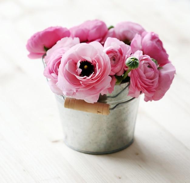 Beau bouquet sur la table