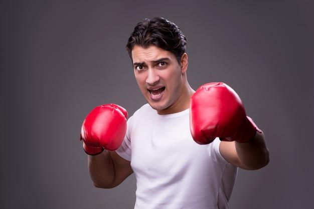 Beau boxeur dans le concept de boxe