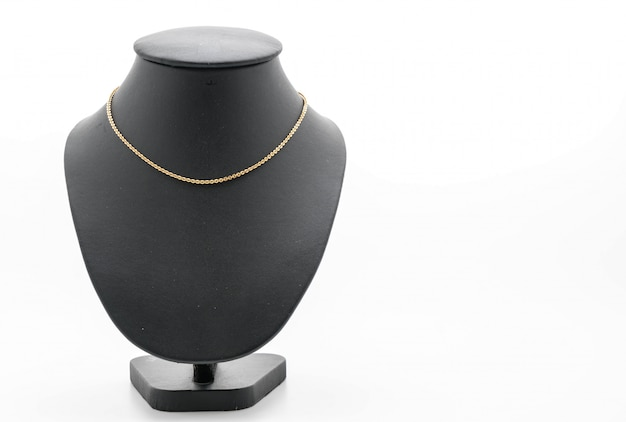 Beau collier de luxe sur le support de bijoux cou
