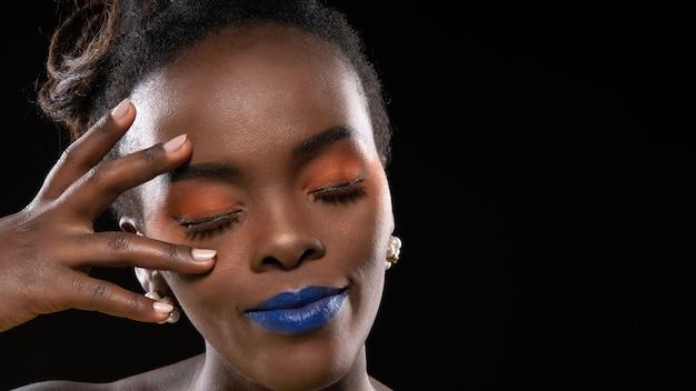 Beau coup de visage africain de femme.