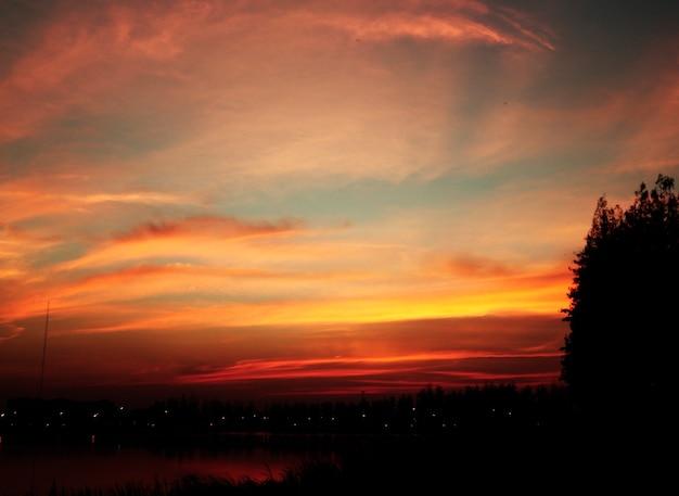 Beau, crépuscule, coucher soleil, soir, paysage