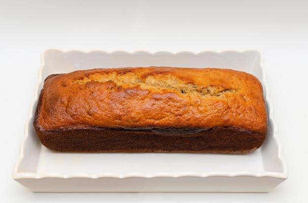 Beau et délicieux gâteau quatre-quarts à la banane fait maison