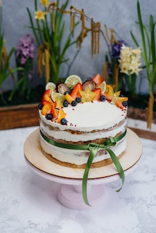 Beau et délicieux gâteau de régime pour un gros plan d'événement festif. dessert et gâteau.