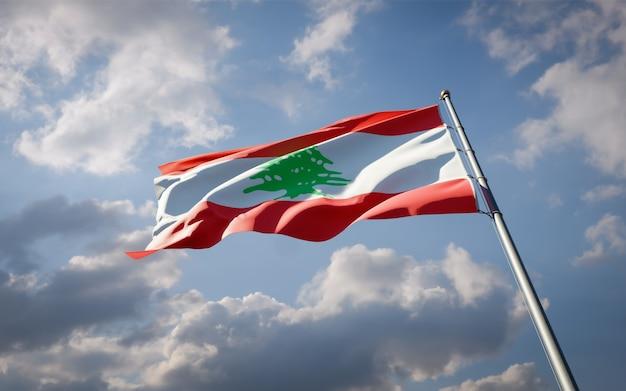 Beau drapeau national du liban flottant