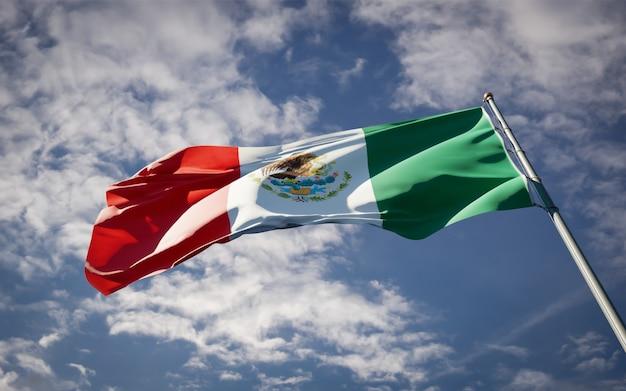Beau drapeau national du mexique flottant
