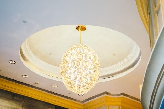 Beau lustre de décoration intérieur de luxe