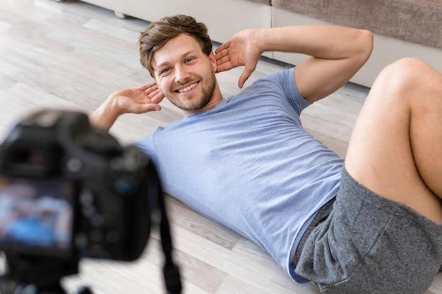 Beau, mâle, enregistrement, fitness, entraînement