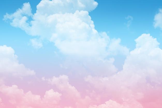 Beau millésime de nuage coloré et abstrait de ciel pour le fond, la couleur douce et la couleur pastel