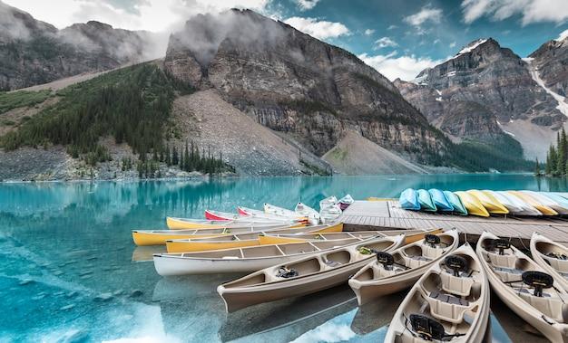 Beau, moraine, lac, dans, parc national banff, alberta, canada