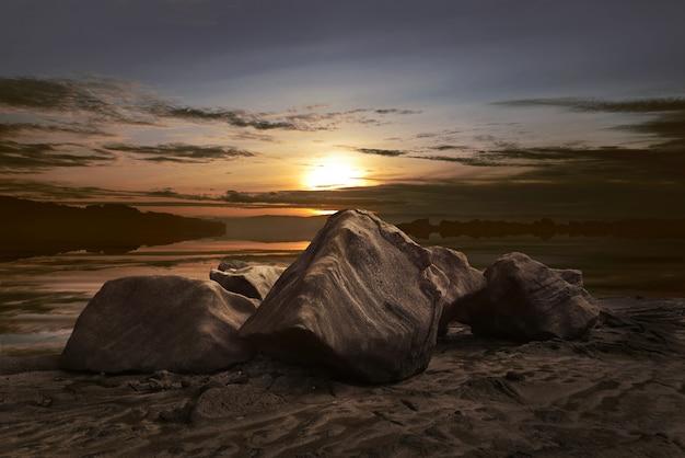 Beau panorama de la vue du coucher de soleil