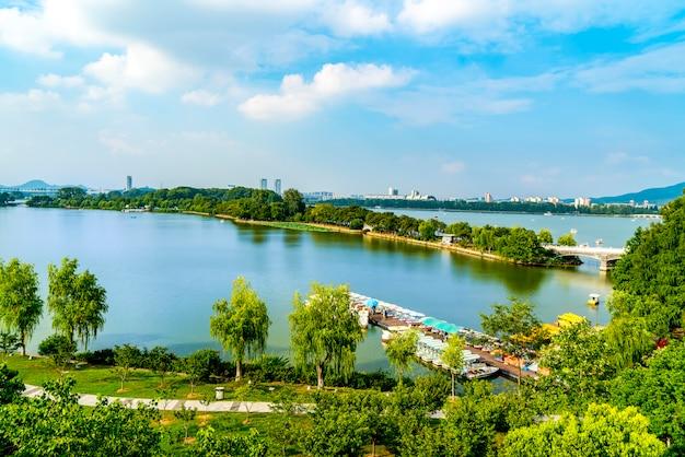 Un beau parc de lac à nanjing