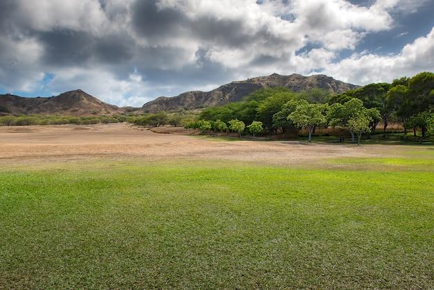 Beau paysage du monument d'état de diamond head, oahu, hawaii