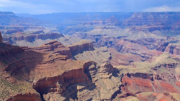 Beau paysage du parc national du grand canyon, arizona. panorama des usa. formations géologiques