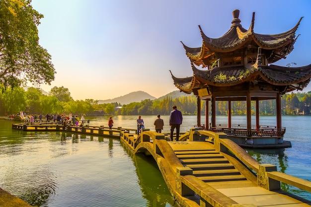 Le beau paysage de hangzhou, west lake