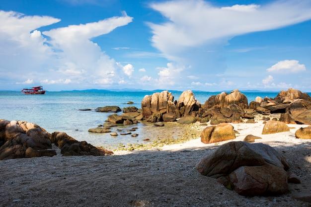 Beau paysage marin de l'île de vacances tropival en thaïlande